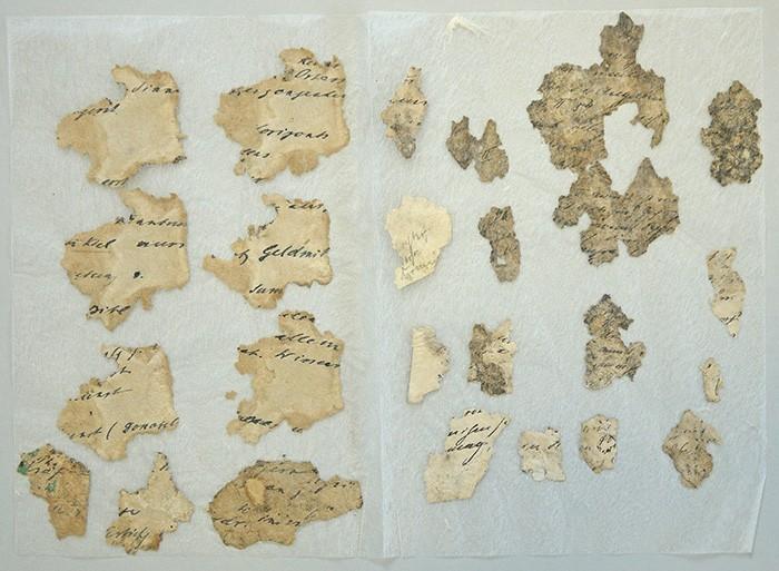 Fragmente der zuvor verblockten Seiten eingebettet
